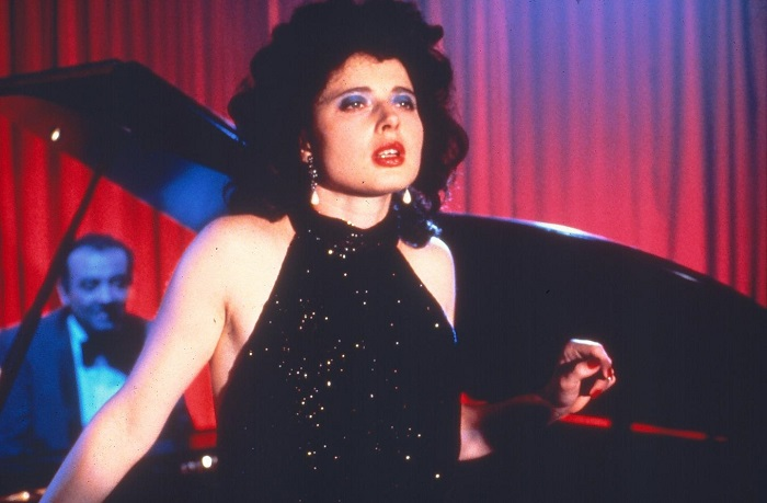 blue-velvet-1986-isabella-rossellini-singing-piano