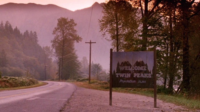 twin-peaks-1990-91-road-sign